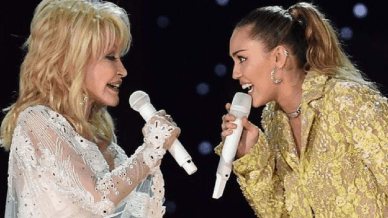 Watch Dolly Parton And Miley Cyrus Team Up For Jolene Duet At The Grammy S 2019 Featured Music Crowns