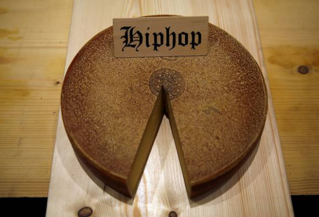 "Playing hip-hop to cheese produces the ""funkiest"" flavour, new study finds"