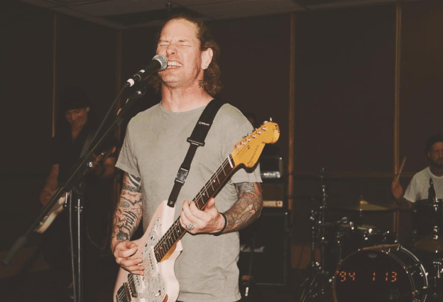 Watch Slipknot frontman Corey Taylor cover David Bowie's 'Moonage Daydream'