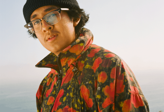 Listen to Cuco's new modern pop banger, 'Bossa No Sé', featuring Jean Carter