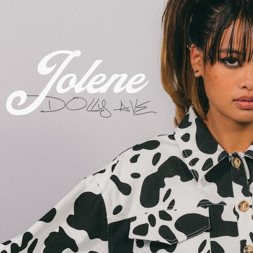 """Dolly Ave Pays Homage To The Queen Of Country With Her Dynamic Rendition Of """"Jolene"""""""